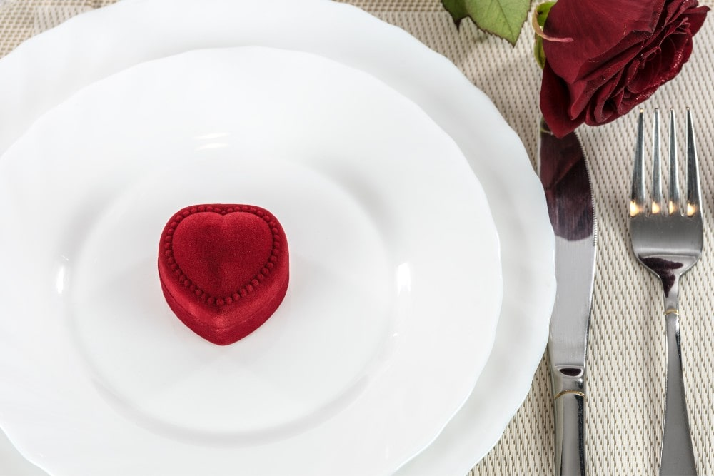 This Valentine's Day, Don't Miss Out on a Dinner Offer from Thom Duma Fine Jewelers